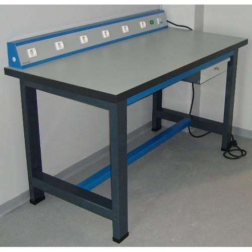 table etabli cheap etabli quip poste de travail avec prise de courant with table etabli. Black Bedroom Furniture Sets. Home Design Ideas